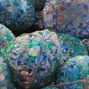 Plastkrig: Bryggerier og supermarkeder vil være fri for plast