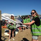 Danmarks Naturfredningsforening hjælper med at holde Roskilde Festival ren