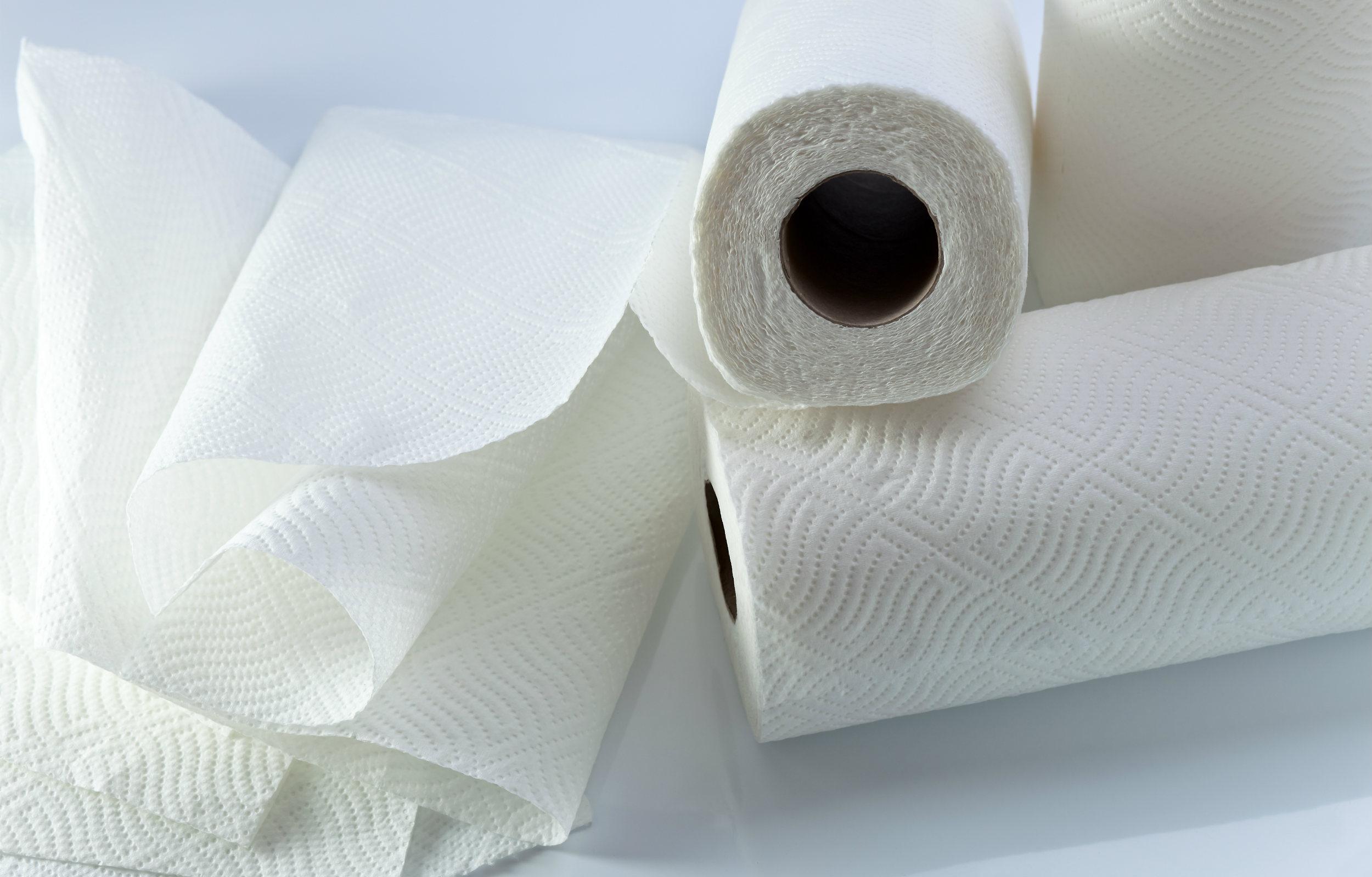 Køkkenrulle eller stofservietter: Hvad er bedst for klimaet?