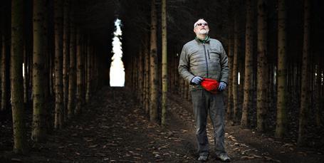 Filmmand i gummirøjser vil skabe økolandsby