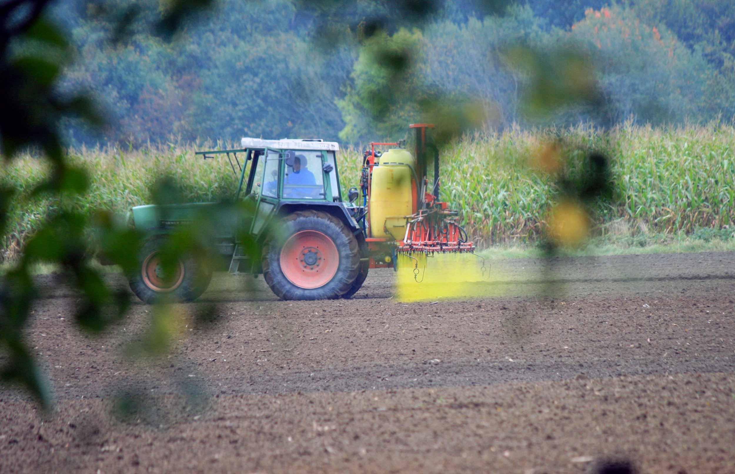 Danskerne: Landbruget bruger for meget sprøjtegift